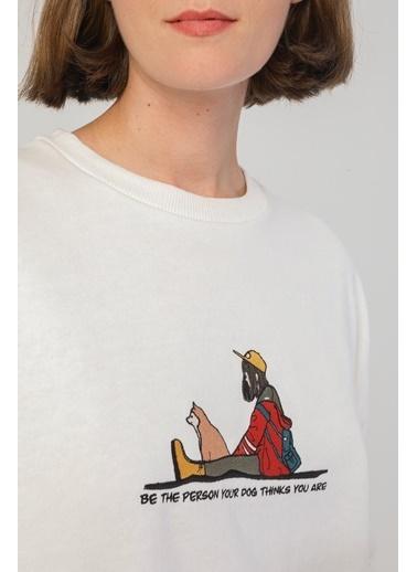 Modaset Figür İşlemeli Oversize Sweatshirt Ekru Beyaz